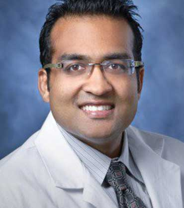 Dr. Vinay Aggarwal, Internal Medicine Physician
